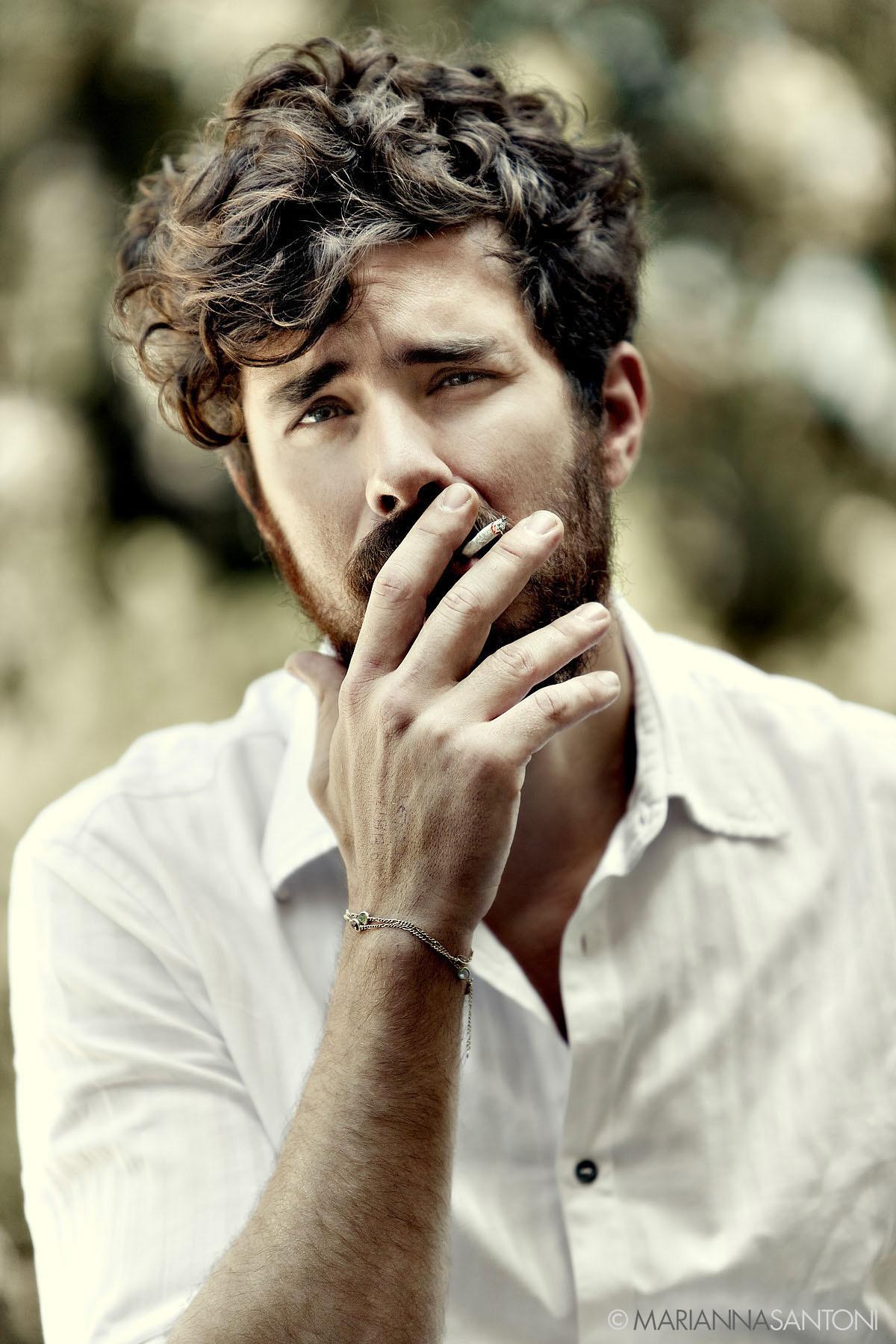 portrait of the singer Lorenzo Kruger (Nobraino) shot by photographer marianna santoni