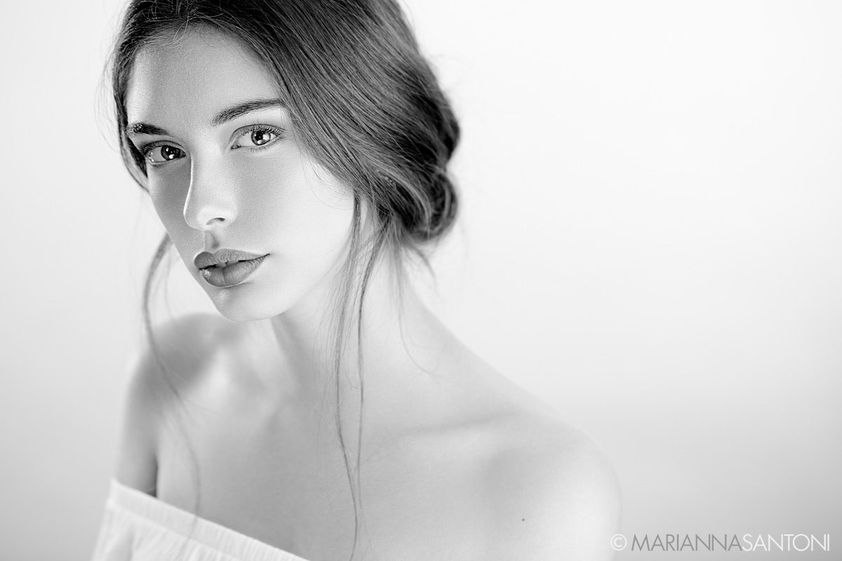 portrait of the model Silvia Bandiera shot by photographer marianna santoni